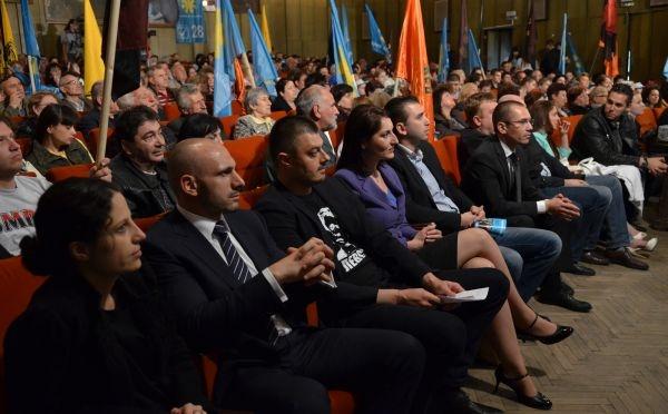 """Photo of """"България без цензура"""": Единственият политик с банка е Бойко Борисов"""