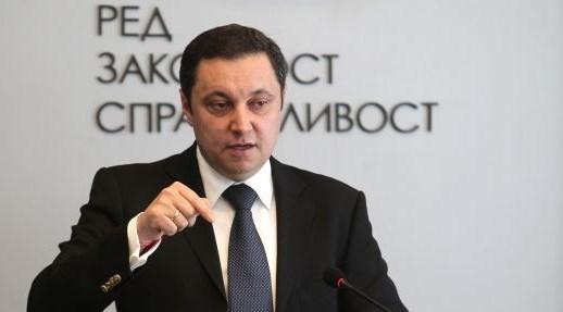 Photo of РЗС: Не Бойко Борисов, а Дългия инкасатор реди корупционните схеми в енергетиката