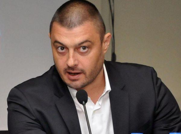 Photo of Николай Бареков призова с отворено писмо Йорданка Фандъкова да не бяга от дебат с Мария Календерска