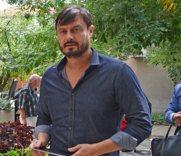"""Photo of Николай Бареков ще съди Нова Телевизия и водещата на предаването """"Комбина"""" Лора Крумова"""