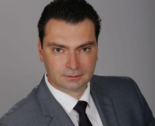Photo of БСП подаде жалба до ОИК София срещу Георги Кадиев за поставени предизборни плакати на спирки на градския транспорт
