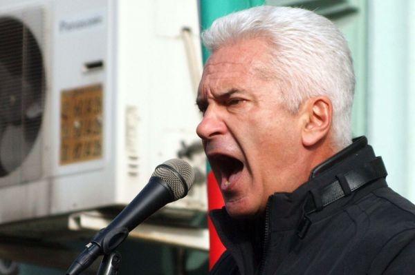 Photo of Волен Сидеров към полицаите: Кървав сблъсък ли искате?