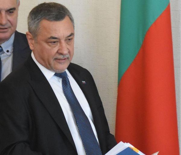 Photo of Валери Симеонов: Нека Бургас бъде управляван от патриоти, а не от мошеническа шайка