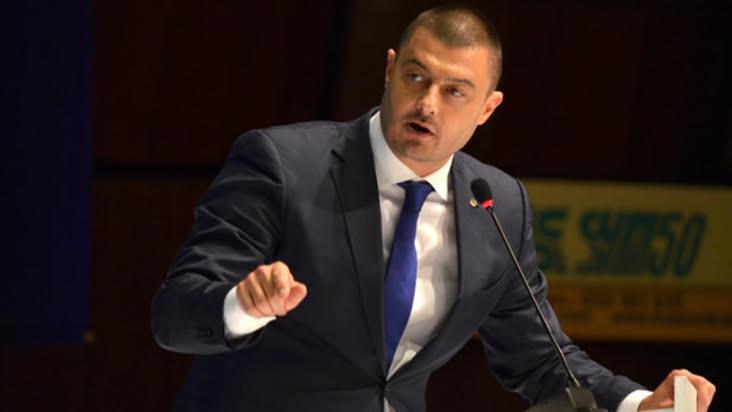 Photo of Бареков даде на прокуратурата реформаторите и отцепника от ББЦ Ковачев за корупция и търговия с влияние